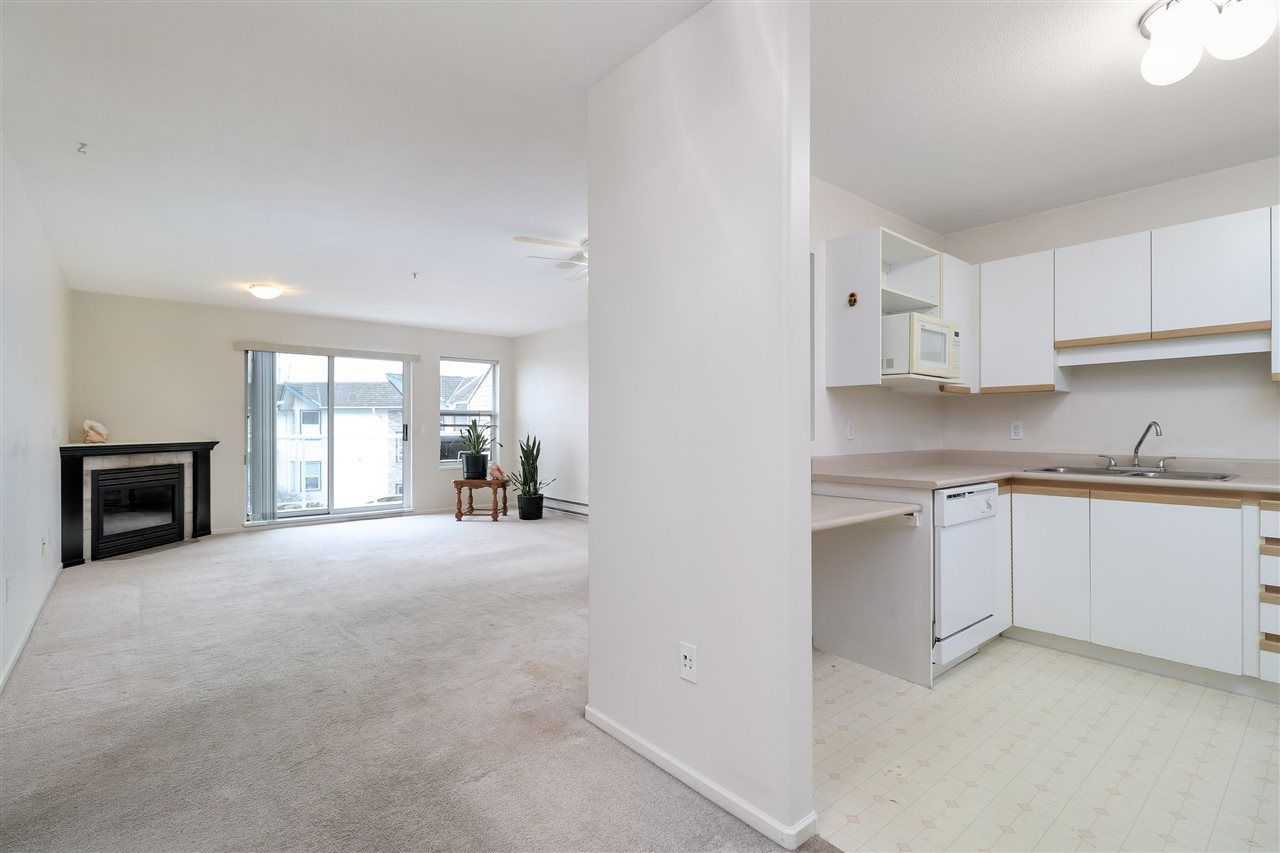 "Photo 2: Photos: 320 27358 32 Avenue in Langley: Aldergrove Langley Condo for sale in ""WillowCreek"" : MLS®# R2250735"