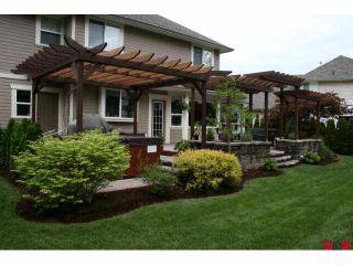 "Photo 2: 9986 JADE Place in Chilliwack: Rosedale Popkum House for sale in ""EMERALD GLEN"" (Rosedale)  : MLS®# H1004880"