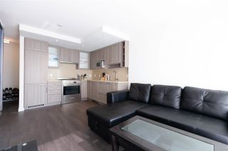 """Photo 5: 2901 5515 BOUNDARY Road in Vancouver: Collingwood VE Condo for sale in """"WALL CENTRE CENTRAL PARK"""" (Vancouver East)  : MLS®# R2293643"""