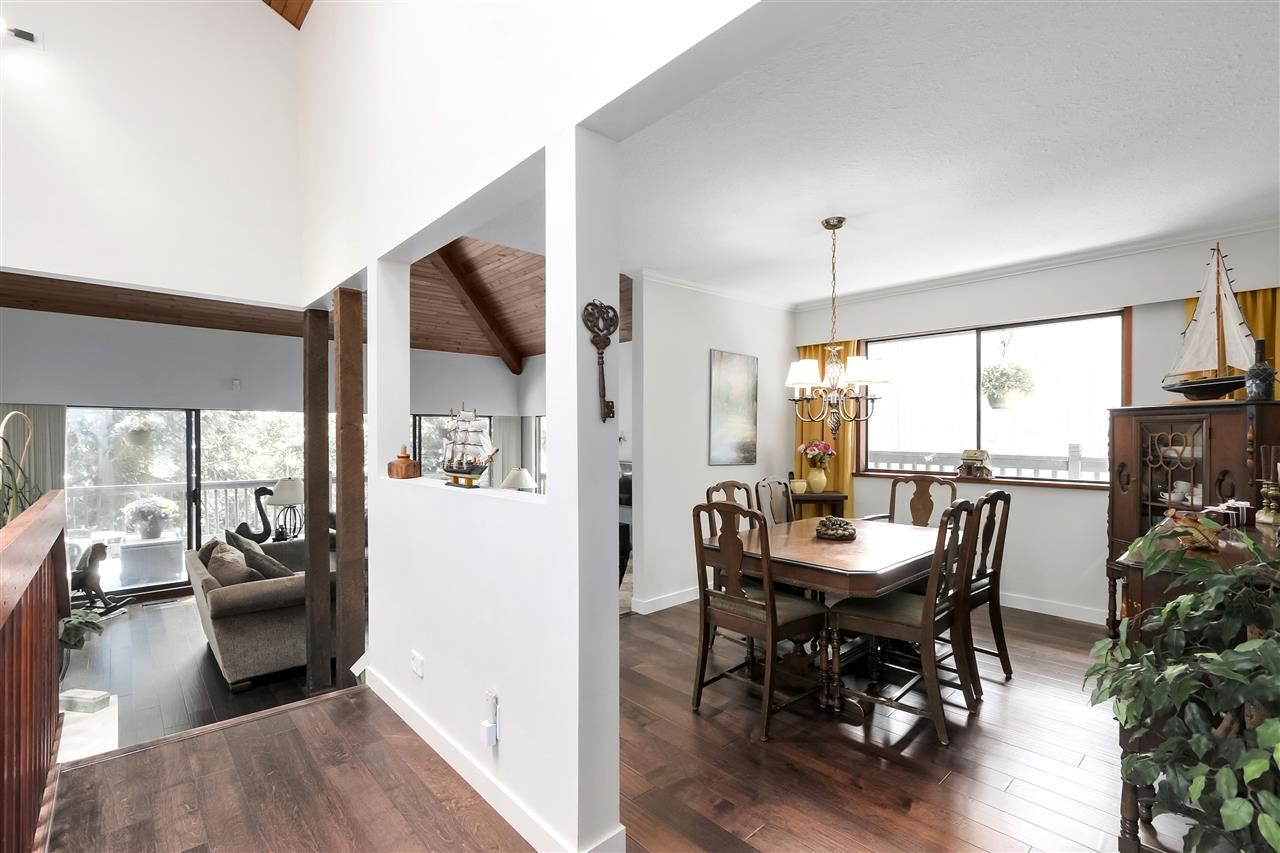 """Photo 12: Photos: 4727 MOUNTAIN Highway in North Vancouver: Lynn Valley House for sale in """"Upper Lynn"""" : MLS®# R2491401"""