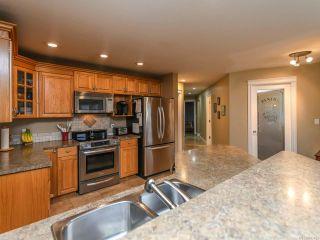 Photo 2: 2096 May Rd in COMOX: CV Comox Peninsula House for sale (Comox Valley)  : MLS®# 813161