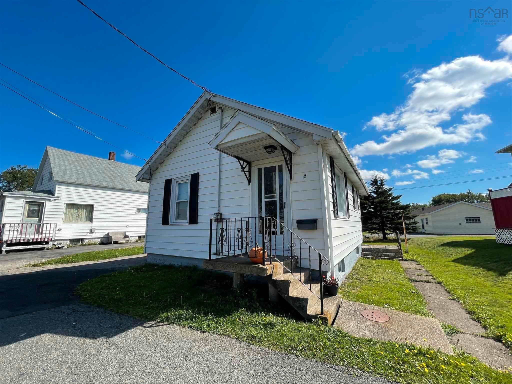 Main Photo: 2 Shaws Lane in Glace Bay: 203-Glace Bay Residential for sale (Cape Breton)  : MLS®# 202124672