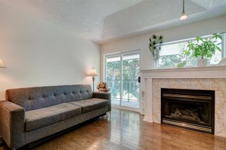 Photo 3: 26 300 Six Mile Rd in : VR Six Mile Row/Townhouse for sale (View Royal)  : MLS®# 879692