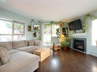 Photo 2: 304 930 North Park St in VICTORIA: Vi Central Park Condo for sale (Victoria)  : MLS®# 795027