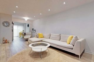 Photo 5: 19 Peachtree Place in Vaughan: Glen Shields House (2-Storey) for sale : MLS®# N5195499