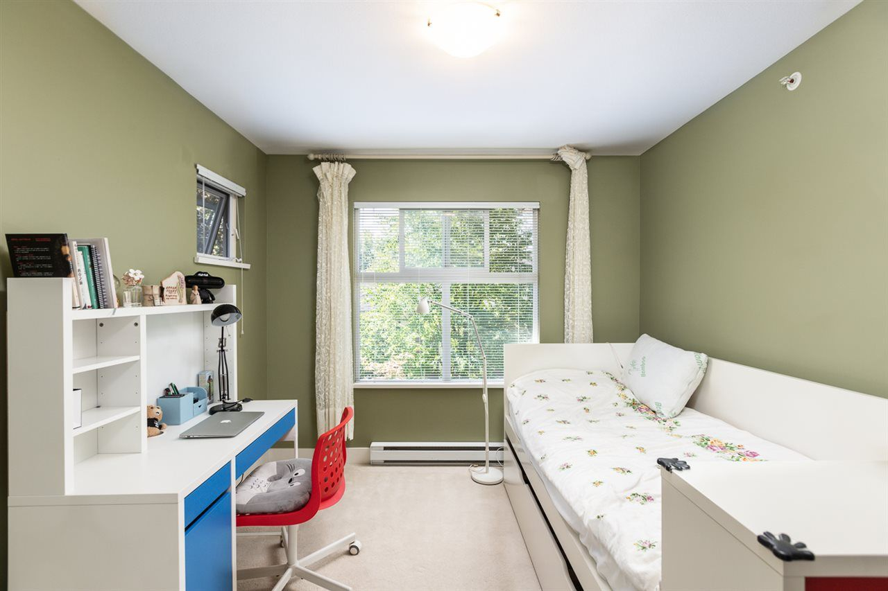 """Photo 24: Photos: 971 WESTBURY Walk in Vancouver: South Cambie Townhouse for sale in """"Churchill Gardens"""" (Vancouver West)  : MLS®# R2488294"""