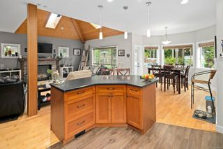 Photo 12: 3334 Sewell Rd in : Co Triangle House for sale (Colwood)  : MLS®# 878098