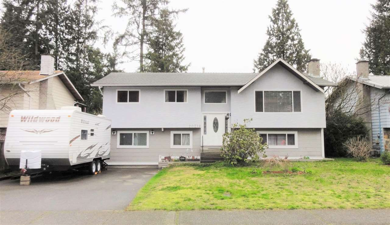Main Photo: 20219 44A Avenue in Langley: Langley City House for sale : MLS®# R2046478