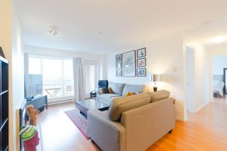 """Photo 3: 302 335 CARNARVON Street in New Westminster: Downtown NW Condo for sale in """"KINGS GARDEN"""" : MLS®# R2320982"""