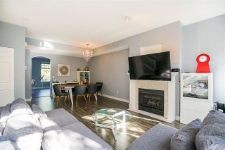 """Photo 4: 6 5950 OAKDALE Road in Burnaby: Oaklands Townhouse for sale in """"Heathercrest"""" (Burnaby South)  : MLS®# R2215399"""