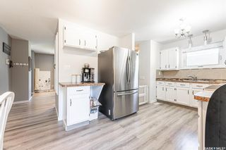 Photo 8: 210 Mowat Crescent in Saskatoon: Pacific Heights Residential for sale : MLS®# SK870029