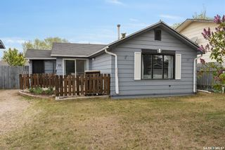 Photo 2: 110 4th Avenue North in Martensville: Residential for sale : MLS®# SK858819