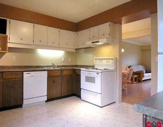 """Photo 2: 10 11735 89A AV in Delta: Annieville Townhouse for sale in """"Inverness Court"""" (N. Delta)  : MLS®# F2526400"""