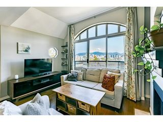 """Photo 4: 306 55 E 10TH Avenue in Vancouver: Mount Pleasant VE Condo for sale in """"Abbey Lane"""" (Vancouver East)  : MLS®# R2491184"""