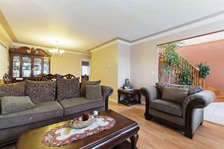 Photo 3: 1485 E 61ST Avenue in Vancouver: Fraserview VE House for sale (Vancouver East)  : MLS®# R2551905