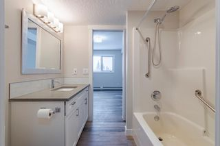 Photo 11: 218 7239 Sierra Morena Boulevard SW in Calgary: Signal Hill Apartment for sale : MLS®# A1102814