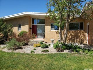 Photo 2: 694 21st Street West in Prince Albert: West Hill PA Residential for sale : MLS®# SK856925