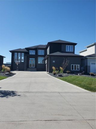 Photo 2: 35 Yorkvalley Way in Winnipeg: South Pointe Residential for sale (1R)  : MLS®# 202123698