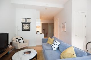 """Photo 5: 11 WALTER HARDWICK Avenue in Vancouver: False Creek Townhouse for sale in """"Kayak"""" (Vancouver West)  : MLS®# R2571642"""