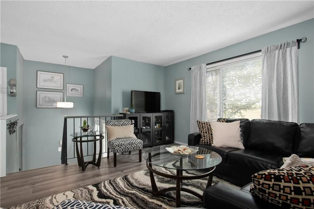 Photo 2: Photos: 57 Maitland Drive in Winnipeg: River Park South Residential for sale (2F)  : MLS®# 202116351