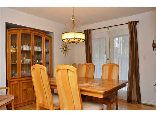 Photo 6: Photos: 1 2212 ATKINS Avenue in Port Coquitlam: Central Pt Coquitlam Townhouse for sale : MLS®# V976496