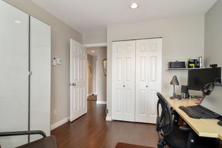 """Photo 16: 304 19121 FORD Road in Pitt Meadows: Central Meadows Condo for sale in """"Edgeford Manor"""" : MLS®# R2620750"""