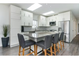 "Photo 8: 205 3665 244 Street in Langley: Otter District Manufactured Home for sale in ""Langley Grove Estates"" : MLS®# R2372975"