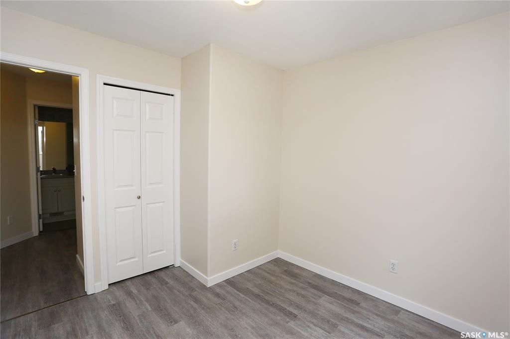 Photo 28: Photos: 131B 113th Street West in Saskatoon: Sutherland Residential for sale : MLS®# SK778904