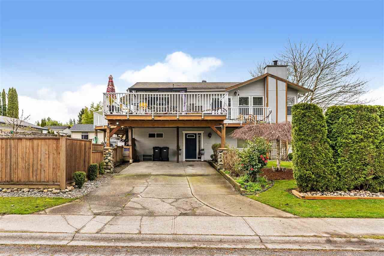 Main Photo: 3346 268 Street in Langley: Aldergrove Langley House for sale : MLS®# R2561768