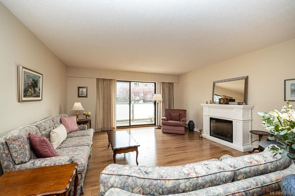 Bright and light ground floor condo