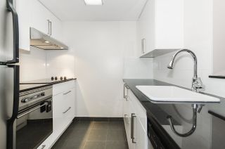 """Photo 1: 308 55 TENTH Street in New Westminster: Downtown NW Condo for sale in """"Westminster Towers"""" : MLS®# R2353028"""