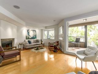 """Photo 6: 2411 W 1ST Avenue in Vancouver: Kitsilano Townhouse for sale in """"Bayside Manor"""" (Vancouver West)  : MLS®# R2191405"""