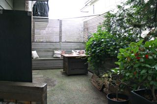 """Photo 10: 107 2330 MAPLE Street in Vancouver: Kitsilano Condo for sale in """"MAPLE GARDENS"""" (Vancouver West)  : MLS®# R2226406"""