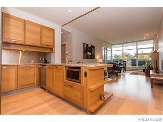 Photo 7: 107 365 Waterfront Cres in VICTORIA: Vi Rock Bay Condo for sale (Victoria)  : MLS®# 745023