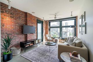 """Main Photo: 601 53 W HASTINGS Street in Vancouver: Downtown VW Condo for sale in """"Paris Block"""" (Vancouver West)  : MLS®# R2614764"""