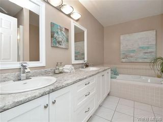 Photo 12: 2324 Evelyn Hts in VICTORIA: VR Hospital House for sale (View Royal)  : MLS®# 713463