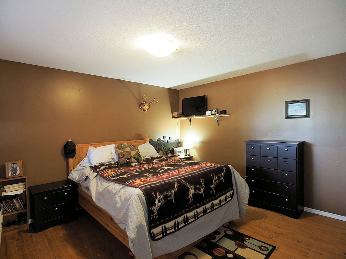 Photo 14: Photos: 6496 GREY Crescent in 100 Mile House: Horse Lake House for sale (100 Mile House (Zone 10))  : MLS®# R2418657