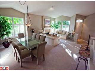 """Photo 2: 23 15020 27A Avenue in Surrey: Sunnyside Park Surrey Townhouse for sale in """"ST. MARTINS LANE"""" (South Surrey White Rock)  : MLS®# F1125537"""