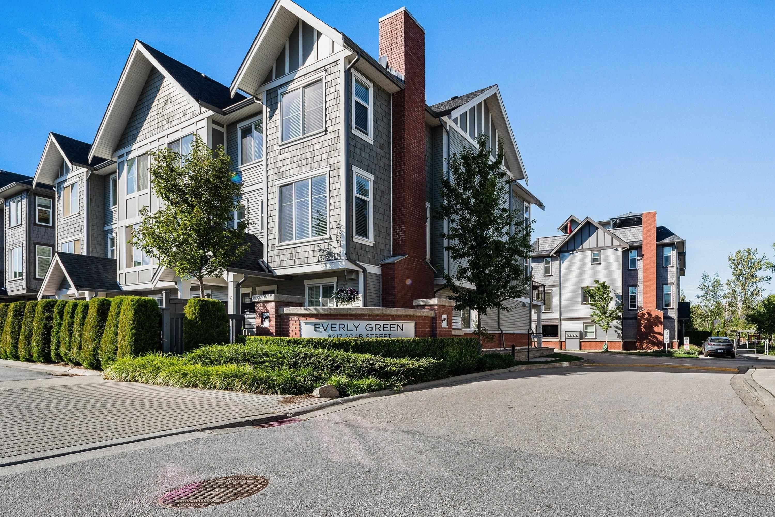 """Main Photo: 5 8217 204B Street in Langley: Willoughby Heights Townhouse for sale in """"Everly Green"""" : MLS®# R2616623"""