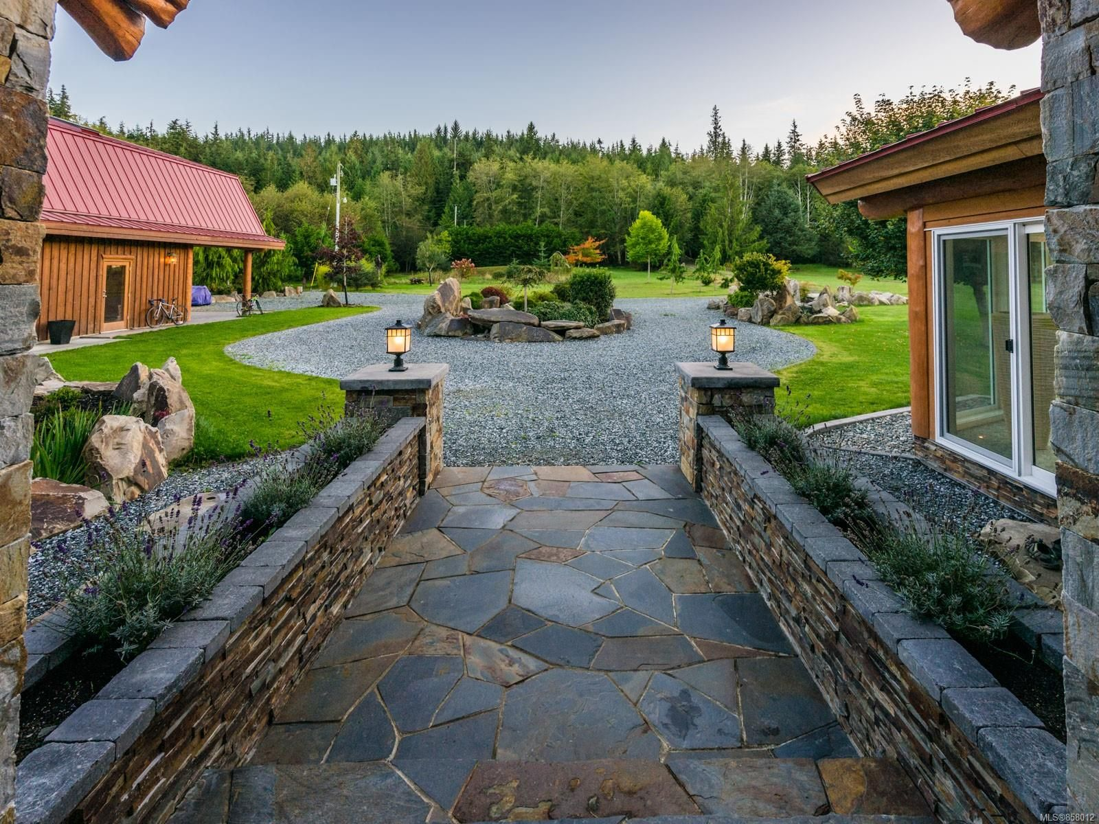 Photo 7: Photos: 6030 MINE Rd in : NI Port McNeill House for sale (North Island)  : MLS®# 858012