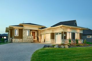 Main Photo: 5 Sweet Water place: Heritage Pointe Detached for sale : MLS®# A1131854