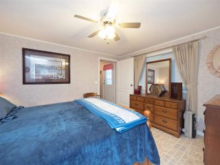 """Photo 11: 81 2270 196 Street in Langley: Brookswood Langley Manufactured Home for sale in """"Pineridge Park"""" : MLS®# R2224829"""