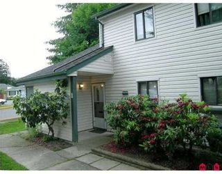 """Photo 1: 1 6601 138TH Street in Surrey: East Newton Townhouse for sale in """"Hyland Creek"""" : MLS®# F2715623"""