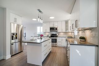 Photo 2: 3329 HENRY Street in Port Moody: Port Moody Centre House for sale : MLS®# R2315087