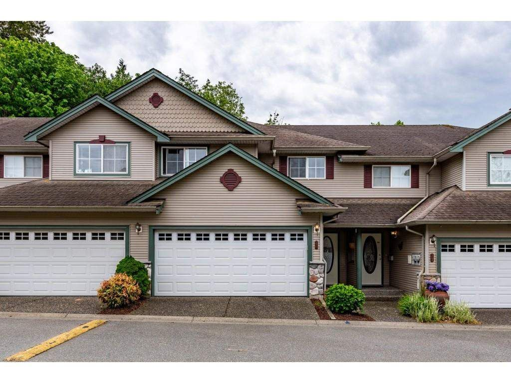 """Main Photo: 26 46360 VALLEYVIEW Road in Chilliwack: Promontory Townhouse for sale in """"Apple Creek"""" (Sardis)  : MLS®# R2587455"""