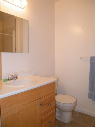 Photo 16: 4 638 COQUIHALLA Street in Hope: Hope Center 1/2 Duplex for sale : MLS®# R2124027