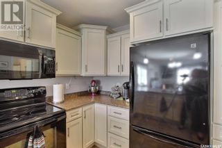Photo 12: 561 9th ST E in Prince Albert: House for sale : MLS®# SK845117