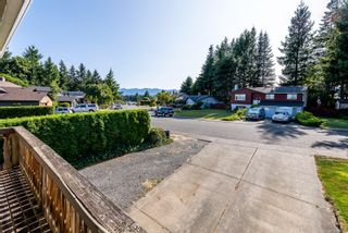 Photo 2: 976 Mantle Dr in Courtenay: CV Courtenay East House for sale (Comox Valley)  : MLS®# 884567