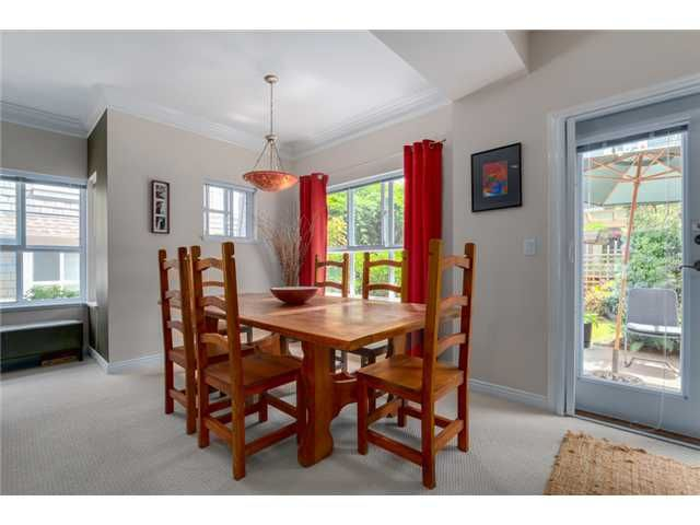"""Photo 5: Photos: 25 2688 MOUNTAIN Highway in North Vancouver: Westlynn Townhouse for sale in """"CRAFTSMAN ESTATES"""" : MLS®# V1073311"""