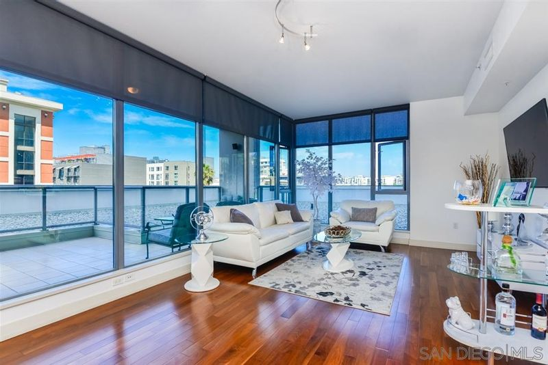 FEATURED LISTING: 302 - 575 6Th Ave San Diego